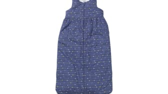 Kinder-Schlafsack der Kindertextilmarke PUSBLU: Er besteht aus Bio-Baumwolle und einer Füllung aus recyceltem Polyester.