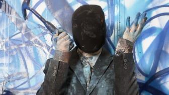 Graffitikonstnären NUG har gjort omslaget till White Guide 2012