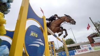 Erica Swartz och Jovita vann ATG Riders league Grand Prix i Norrköping. Foto: Roland Thunholm