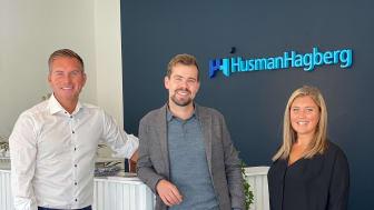 Franchisetagarna Joakim Sultan, Victor Pers Gesteby och Maja Sultan. Den 4 oktober öppnas kontoret i Borlänge.