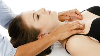Forsa-Umfrage zur Osteopathie: Fast jeder Fünfte war bereits beim Osteopathen. Bei den Patienten herrschte eine hohe Zufriedenheit.