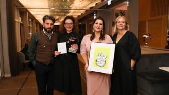 Mottagarna av Bokmässans bildningspris 2021. Från vänster Daniel Boyacioglu, Marlen Eskander, Berolin Deniz och Eja Embretsson, Läsfrämjarinstitutet. / Foto: Natalie Greppi.