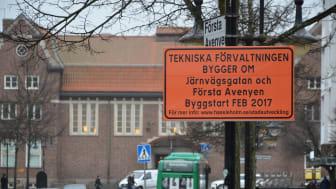 Första etappen av ombyggnaden i centrum börjar i slutet av februari, men redan nu pågår det förberedelser i stan. Följ arbetet via  www.hassleholm.se/stadsutveckling.