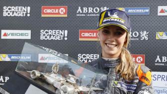 Mikaela Åhlin Kottulinsky, SEAT Dealer Team – PWR Racing, första kvinnliga STCC-segraren