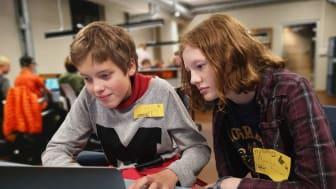 Skoleelever kan tilegne seg kodekraft på Teknisk museum, i tråd med lærerplanen!