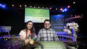 Rymdingenjören Assiye Süer och programmeraren Mohamed Najjar tog hem förstapriset med sin affärsidé VikingsVolts. Foto: Andreas Olsson