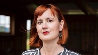 Maria Broberg, författare till boken Bakvatten. Foto: Norstedts