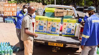 Hand in Hand Zimbabwes medarbetare jobbar hårt i kampen mot COVID-19
