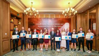 Universitetsstudenter på besök vid Huaweis huvudkontor i Kina