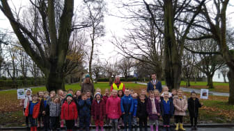 Pictured is Mayor Councillor Peter Johnston with Brian Poots (Northern Ireland Forest School Association, Marlene Gattineau (Parks team) and Sunnylands Primary School pupils.