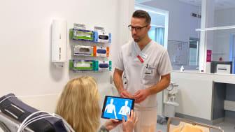 AI:n säkerställer att patienten får svara på alla relevanta frågor som gäller för just den individen, vilket underlättar för läkaren att ställa diagnos.