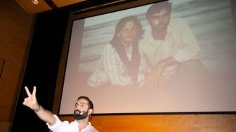 Bloggaren och artisten Navid Modiri var förste föreläsare ut på den nationella studievägledarkonferensen på Högskolan för lärande och kommunikation i Jönköping.