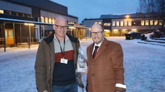 Prosjektleder i Undervisningsbygg Lasse Skaar og rektor ved Bøler skole Morten Sesseng.