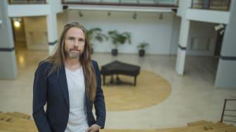 Jonas Ericson arbetar vid Kommunikationsenheten vid Umeå universitet och är projektledare frö kultur på campus. Foto: Mattias Pettersson/Umeå universitet