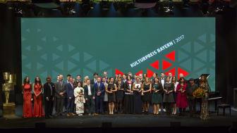 Insgesamt 38 Künstler und Wissenschaftler aus allen Teilen Bayerns sind am Donnerstagabend im unterfränkischen Veitshöchheim mit dem Kulturpreis Bayern 2017 ausgezeichnet worden.
