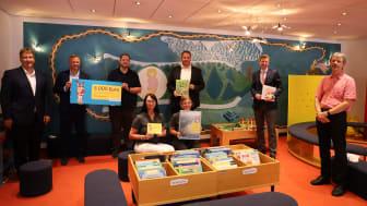 Ausgezeichnete Auswahl: 5.000 Euro bekam die Stadtbibliothek Münchberg vom Bayernwerk für ihre fortlaufend gute Arbeit in den Bereichen Kinder- und Jugendbuch.