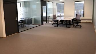 Boks. Her er det tilrettelagt for en bedrift som dels vil ha kontorer og dels åpent landskap.