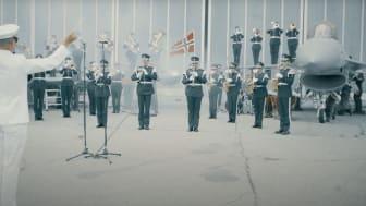 Skjermdump fra Tveit Union Musikkorps sitt bidrag i konkurransen VIVO!