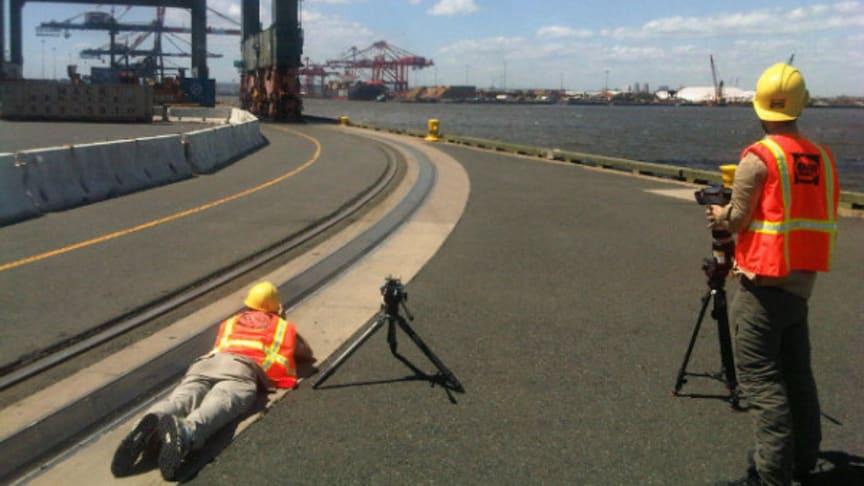 Filming an STS crane go round corners with Cavotec Panzerbelt #Cavotecfilm
