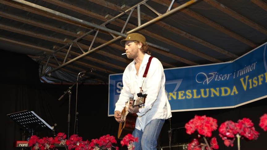 Program- och biljettsläpp för Fänneslunda Visfestival 6-7 juli 2012