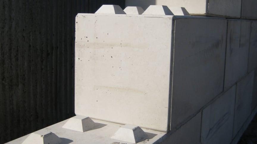 Vuxenlego i betong