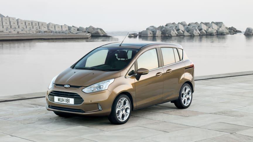 Nye B-MAX – Fords første småbil som hindrer sammenstøt i trafikken.
