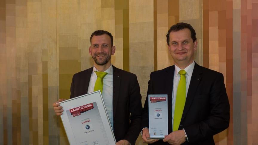 Péter Mándli (r.), Geschäftsführer BPW-Hungária, und Peter Lindner, Vertriebsleiter Agrar für Deutschland und Benelux bei der BPW KG in Wiehl, nahmen den Landtechnik Innovationspreis in Würzburg entgegen. (Quelle: Michael Palm für AGRARTECHNIK)