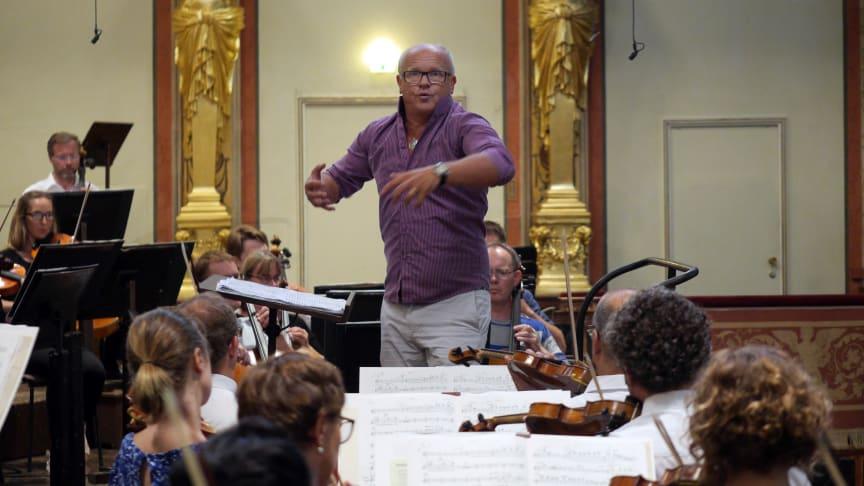 Christian Lindberg dirigerade mästerligt i Musikverein, skriver bloggen Klassik begeistert. Foto från akustikrepetitionen i Musikverein.