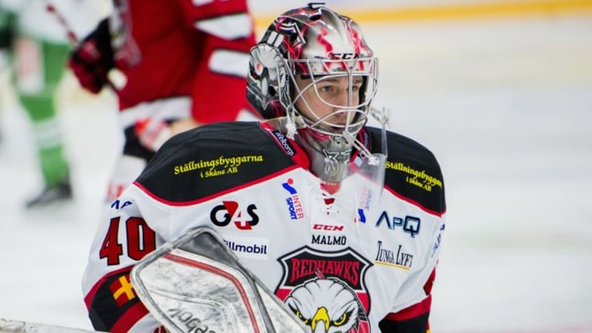 Tim Hultstrand skriver A-lagskontrakt