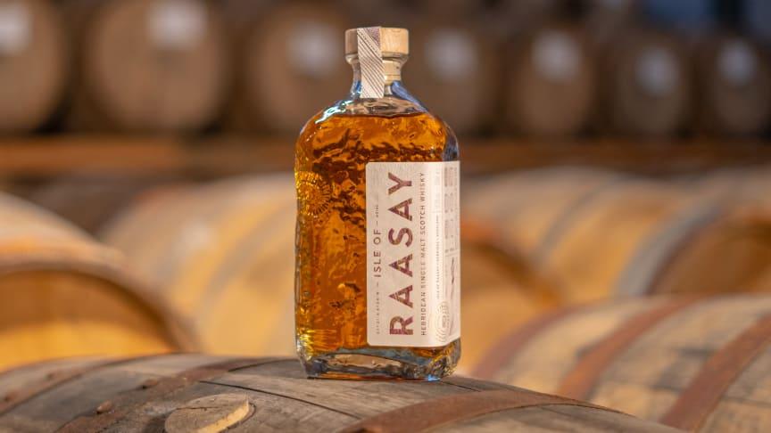 """19 oktober släpps den efterlängtade kärnserien från hypade Isle of Raasay - Single Malt """"R-02""""- i Systembolagets beställningssortiment"""