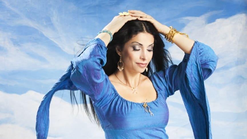 """Artisten Zinat Pirzadeh deltar den 9 november på Allt för Hälsan. Hon är en av Sveriges mest kända komiker och ambassadör för 1,6 miljonerklubben. Hon kommer till Allt för hälsan den 9 september och talar under rubriken """"Ett skratt förlänger livet""""."""