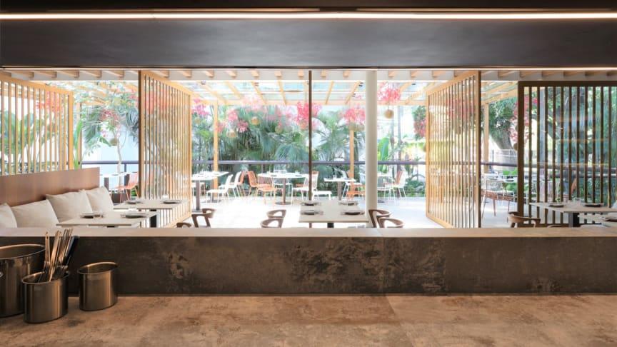 Pipo Restaurante använder 138 kvadratmeter Cosentino-material i sitt restaurangprojekt. Färgerna Dekton Orix och Nilium valdes för tillämpningar i olika rum, inklusive till väggar, ytor och servicebord.