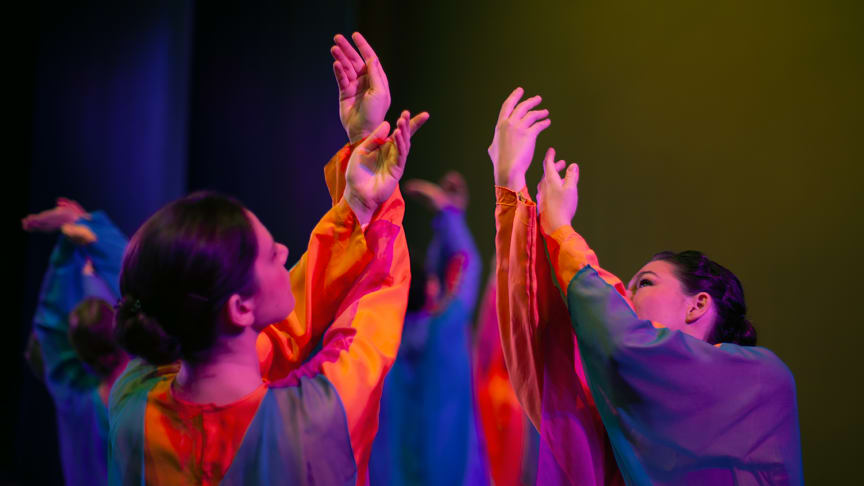 Goetheanum-Eurythmie-Ensembles: Programm ‹Leuchtfäden› (Foto: Katrin Oesteroth)