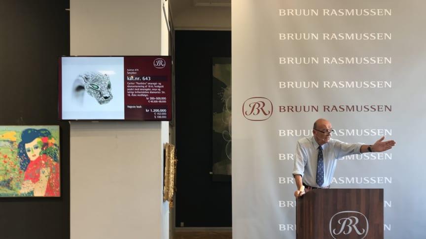 Jesper Bruun Rasmussen selling Cartier's panther diamond bangle for DKK 1.2 million (€210,000 including buyer's premium).