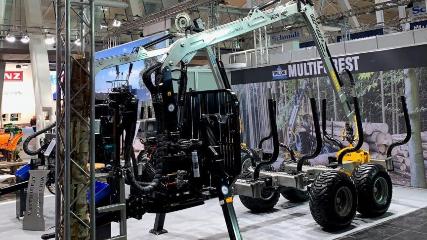 Nya V6500 visas i Trejons monter på Agritechnica.