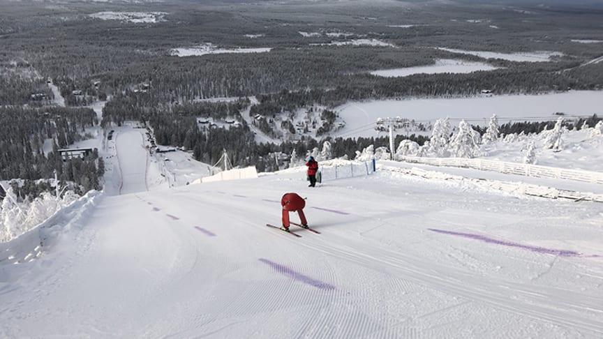 Speedskilandslaget laddar inför världens snabbaste elljusåk
