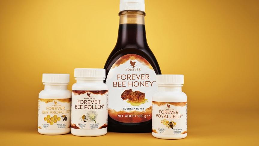 Tre kosttilskud og mild honning – alt sammen takket være bikubens rigdomme.