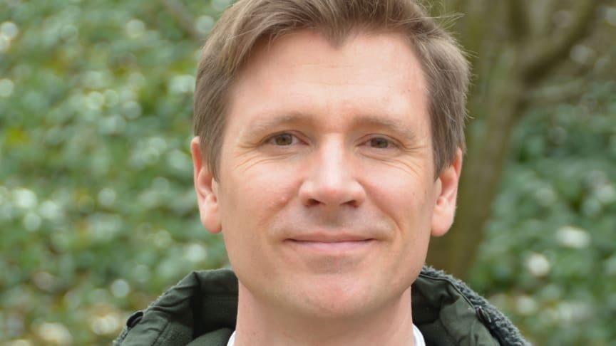 Jesper Blid mottar Augustus Lerstens stipendium 2021 som delas ut för allra första gången. Jesper Blid tilldelas 100 000 kronor för att studera och arbeta med publikationen av byggnaden Oikoi i Labraunda i Turkiet.