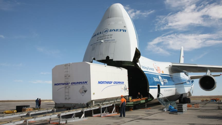 EUTELSAT 5 West B delivered to Baikonur Cosmodrome for pre-launch preparation