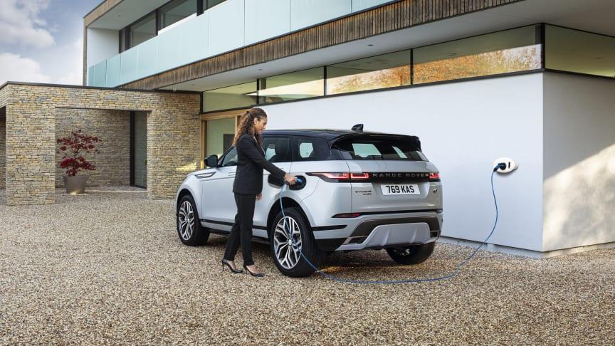 Range Rover Evoque och Discovery Sport finns nu som laddhybrider