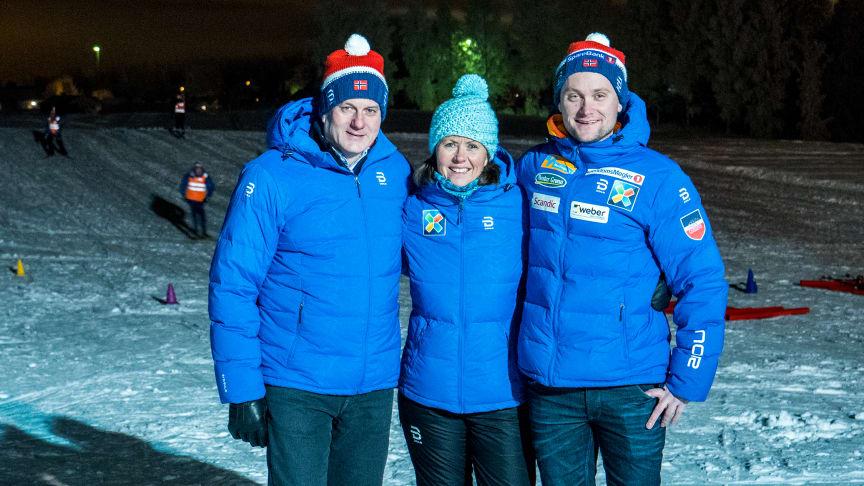Erik Røste (president, Norges Skiforbund), Åsne Havnelid (adm.dir, Norsk Tipping) og Sjur Ole Svarstad (landslagstrener for kvinner og ambassadør for Grasrottrener Langrenn) FOTO: Steinar Bjørnsson, Norsk Tipping