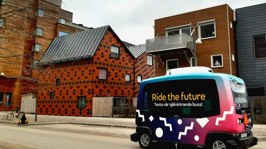 Självkörande bussar välkomnades till Vallastaden i Linköping