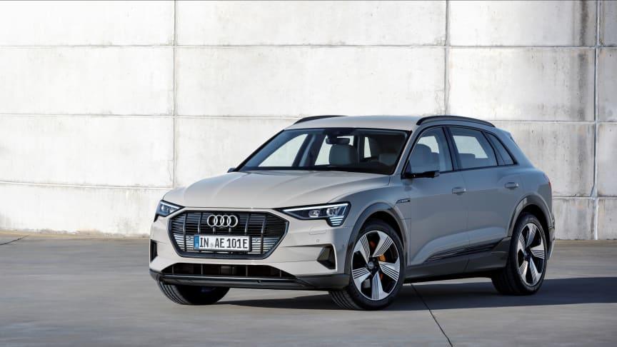 Audi e-tron (Siam beige) front, statisk