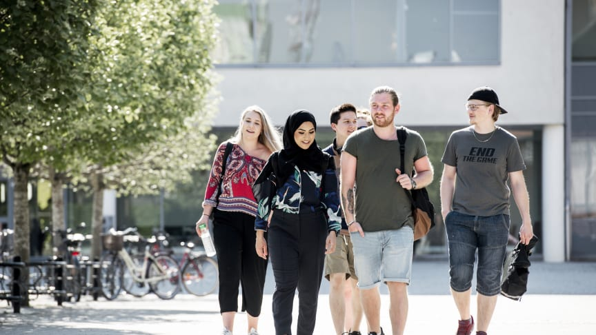 Högskolan Väst hjälper unga till en bättre framtid