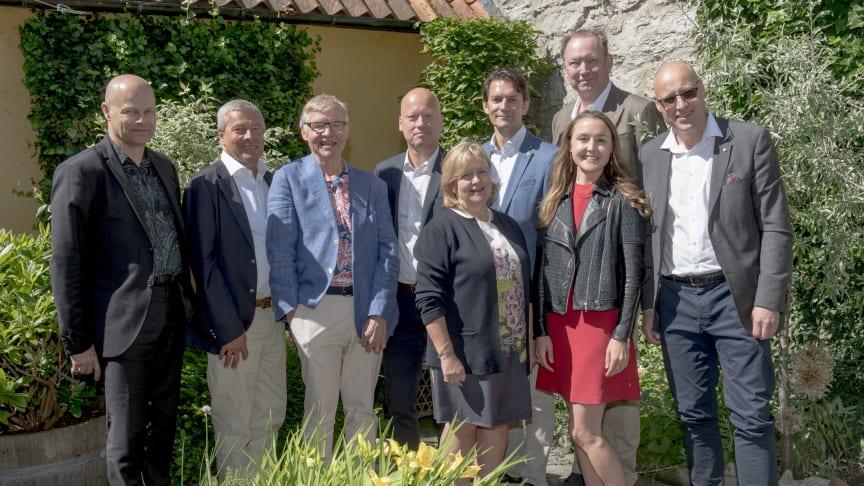 Marcus Svensson, Rolf Eriksson, Lars Jonsson, Thomas Tranberg, Agneta Jacobsson, Tomas Hermansson, Jenny Jonsson, Erik Haegerstrand, Björn Boestad.