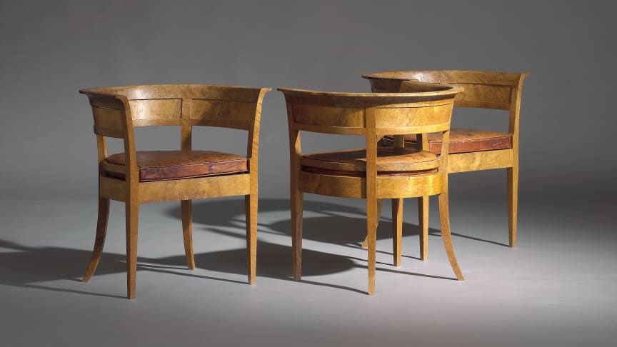 Three early chairs by Kaare Klint sold for a hammer price of USD 135,000 / EUR 122,000 (including buyer's premium).