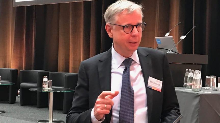 Dr. Markus Müschenich im Interview mit der apoBank.