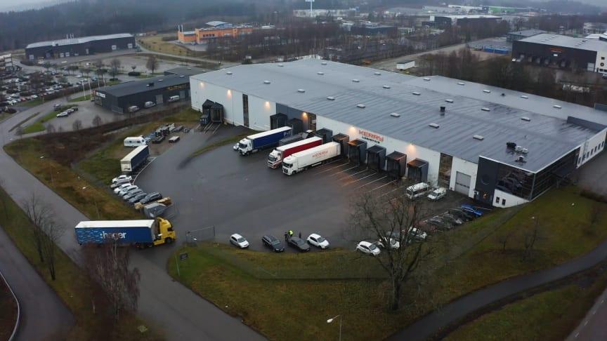 Hager har valt att flytta hela sitt svenska lager 1 300 kilometer norrut från Blieskastel i Tyskland till Borås i Sverige.
