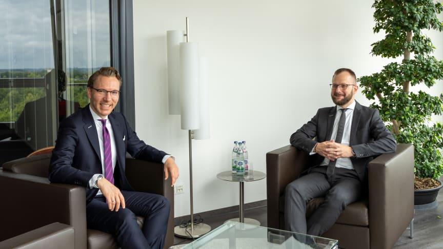 Niclas Walser (l.), Geschäftsführer und Inhaber der WALSER GmbH & Co. KG, und Marcus Häuptle