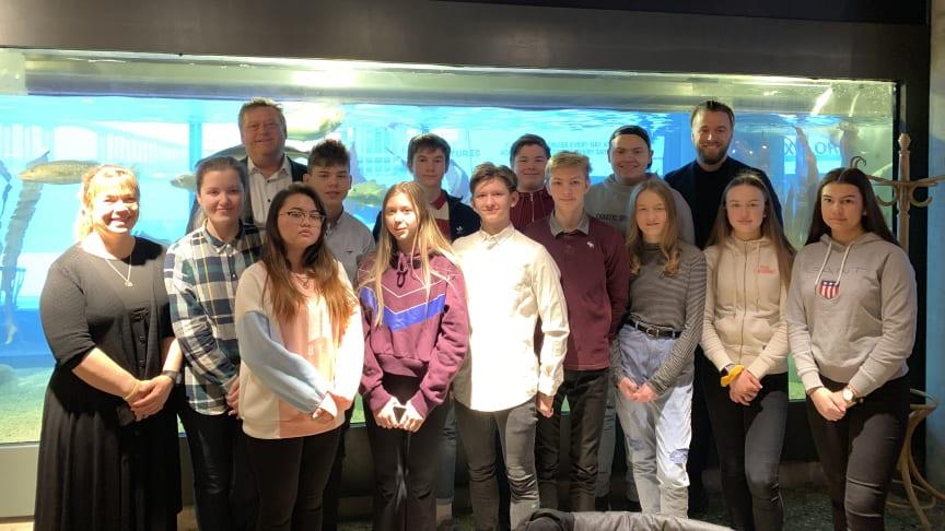 Fra venstre: Aud Johanne, Sofie, Harald Tom, Mona, Eric, Lilly, Erlend, Onny, Lavrans, Sindre, Elias, Maria, Martin, Sigrid og Alice.